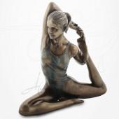 Body Talk - Posture Yoga Torsion - EKA PADA RAJAHAPITASANA