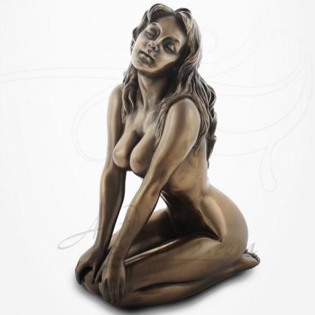Body Talk - Femme nue assise, tête inclinée