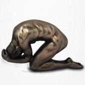 Body Talk - Homme nu à Genoux  et Penché