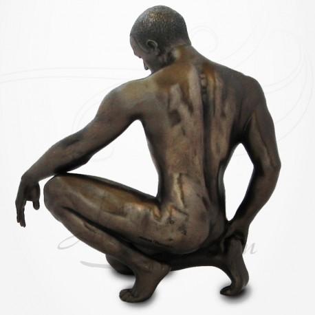 Body Talk - Homme nu sur un genou