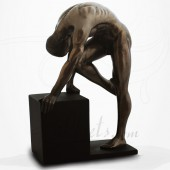 Body Talk - Homme nu Debout Enroulé sur socle