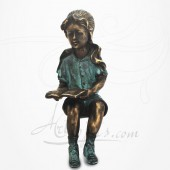 Statue Jeune Fille assise, lisant,
