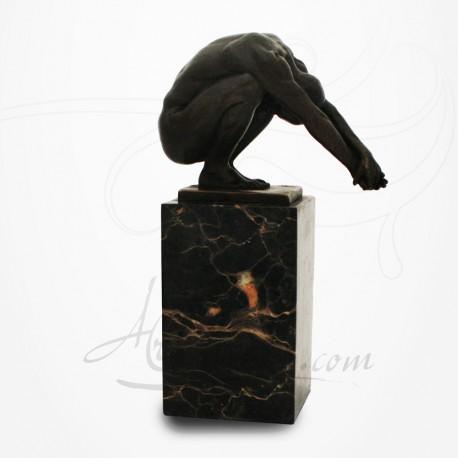 Statue Plongeur sur socle en marbre